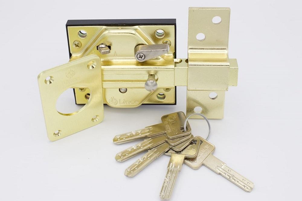 Formas de proteger tu casa cerrojos de seguridad